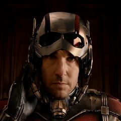 Lang comienza su entrenamiento como el nuevo Ant-Man.