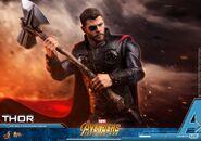 Thor IW Hot Toys 17