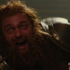 Volstagg ve a Thor escapar.