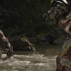Hulkbuster confronta a Obsidian.