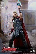 Thor AOU Hot Toys 1