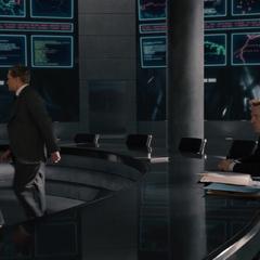 Stark es testigo de la renuncia de Pym.