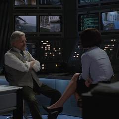 Pym y Hope hablan sobre los últimos acontecimientos.