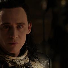 Loki tras escuchar la sentencia por sus crímenes.