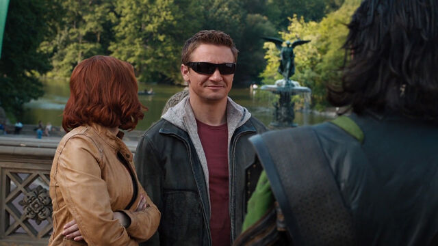 File:Clint-Barton-Romanoff-Loki-Grin-Central-Park.jpg