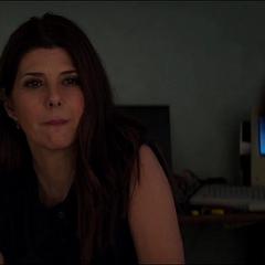 Maybelle escucha a Peter describiendo a sus agresores.