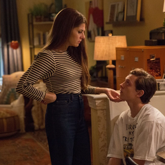 Maybelle consola a Peter por perder la pasantía.