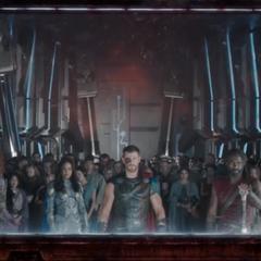 Brunnhilde observa la destrucción de Asgard.
