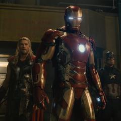Stark, Rogers y Thor confrontan a Ultrón.