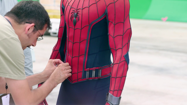 File:Spidey Suit (Behind the Scenes - Civil War).png