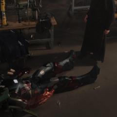 Rhodes es secuestrado por una secuaz de Killian.
