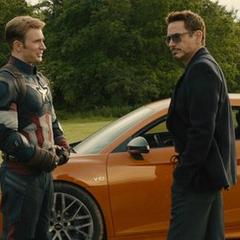 Rogers aprende sobre la idea de Stark por tener una vida simple.