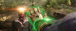 Thanos resurrects Vision