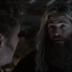 Thor discute con Quill.