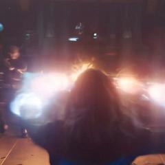 Vers usa sus poderes para someter a los Skrulls.