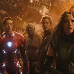 Los Vengadores y los Guardianes en Titán.