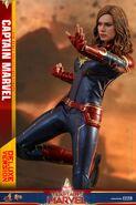 Captain Marvel Hot Toys 12