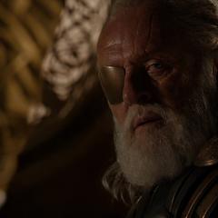 Odín se entera de la aparente muerte de Loki.