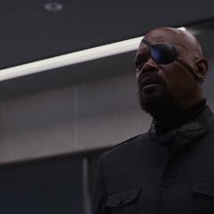 Fury descubre que alguien bloqueó su acceso al sistema.