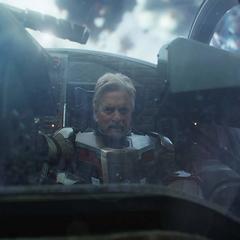 Pym a punto de entrar con su vehículo al Reino Cuántico.