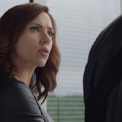 Romanoff se molesta con Stark.