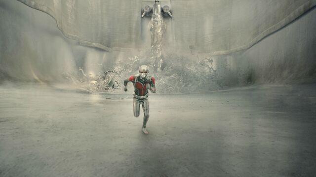 File:Ant-Man screenshot 27.jpg