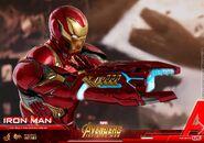 Iron Man IW Hot Toys 17