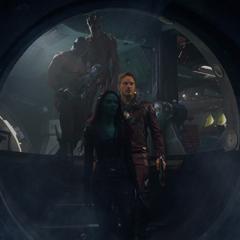 Los Guardianes de la Galaxia se infiltran en el Dark Aster.