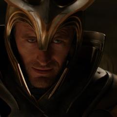 Loki toma la apariencia de un Guardia Einherjar para acercarse a Odín.