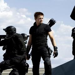 Barton dirige a los mercenarios.