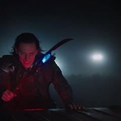 Loki escapa de S.H.I.E.L.D. con el Teseracto.