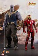 Thanos Hot Toys 6