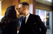 Fitz and AIDA kissing