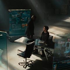Fury y Stark se reunen después de la derrota de Vanko.