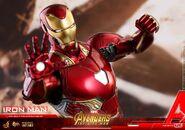 Iron Man IW Hot Toys 19