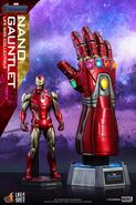 Nano Gauntlet Hot Toys 5