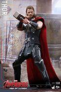 Thor AOU Hot Toys 3