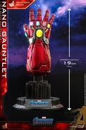 Nano Gauntlet Hot Toys 21