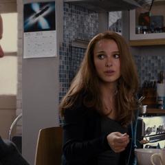 Foster le informa a Selvig que Thor debió rendirle cuentas a Odín.