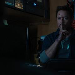 Stark en la camioneta de Gary.
