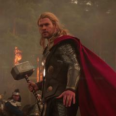 Thor llega a la batalla.