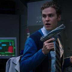 Fitz muestra el Arma Buenas Noches actualizada.