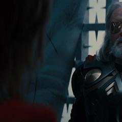 Odín decide no coronar a Thor.