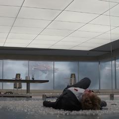 Pierce muere tras recibir balazos por Fury.