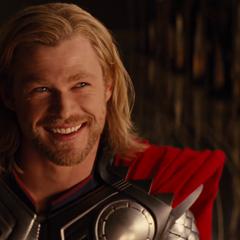 Thor antes de que su coronación sea interrumpida.