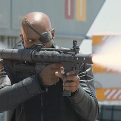 Fury inhabilita un avión con un lanzacohetes.