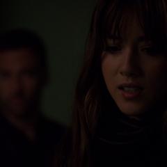 Skye se horroriza al saber que su padre es un asesino.