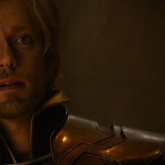 Fandral le informa a Odín que están indefensos.