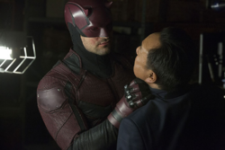 Murdock amenaza a Hirochi