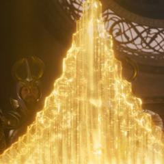 Volstagg y Fandral hablan con Odín.